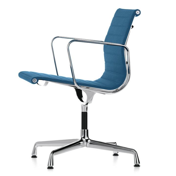 Vitra - Alu-Chair EA 108 Chrom, drehbar, mit Armlehnen, Hopsak eisblau / moorbraun (Filzgleiter)