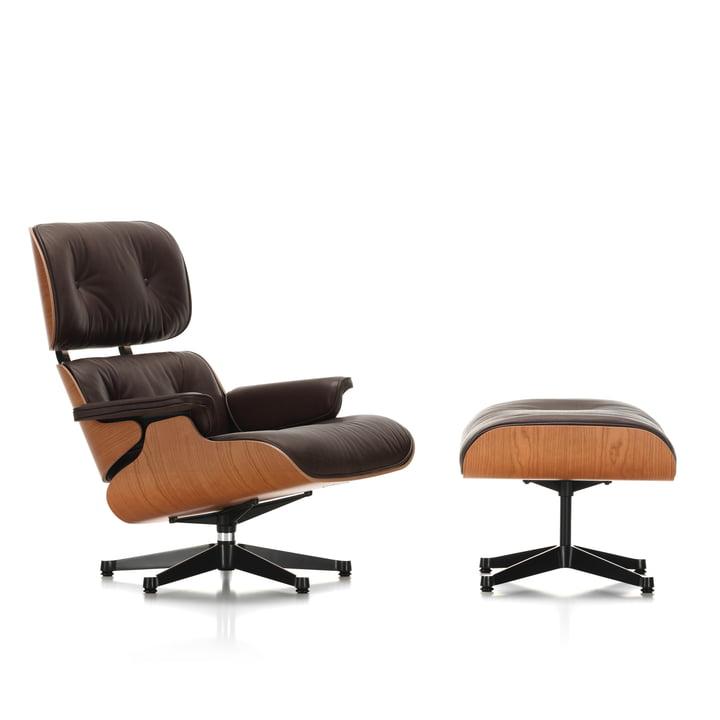 Vitra - Lounge Chair & Ottoman, poliert / Seiten schwarz, amerik. Kirschbaum / Leder Natural chocolate (Kunststoffgleiter)