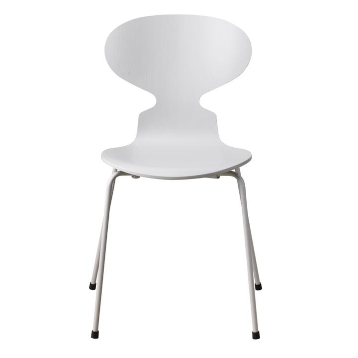 Die Ameise Stuhl Monochrom von Fritz Hansen in pale grey (4 Beine)