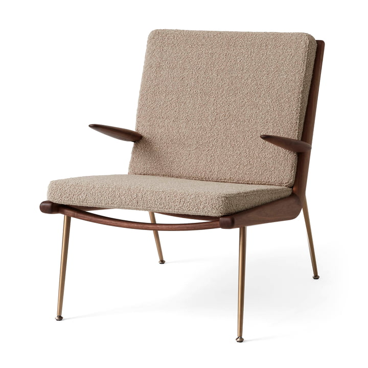 Boomerang HM2 Loungechair von &tradition in Walnuss geölt / beige (Karakorum 003)