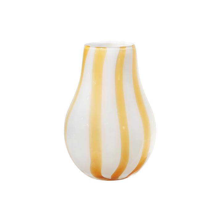 Die Ada Stripe Vase von Broste Copenhagen in gelb