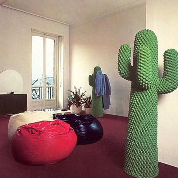 Cactus von Gufram mit gemütlichen Sitzsäcken
