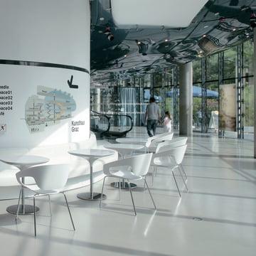 Das Kunsthaus Graz mit Vad Serie von Casamania