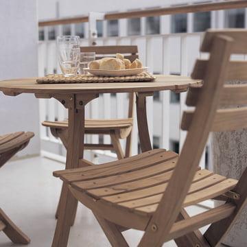 Frühstück auf dem Balkon mit dem Vendia Tisch und Stühlen von Skagerak