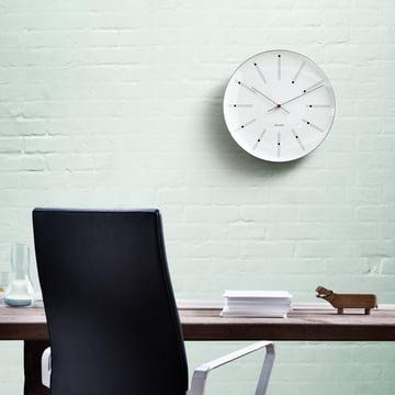Rosendahl - AJ Bankers Wanduhr - Ambiente, grüne Wand