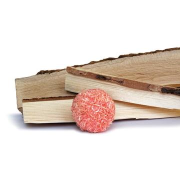 side by side - Anzünder Feuerpralinen, rot - mit Holz