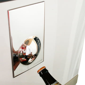 Suck UK - Bottle Opener Fridge Magnet, silber - am Kühlschrank