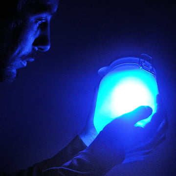 Suck UK - Sun Jar, blau - Person