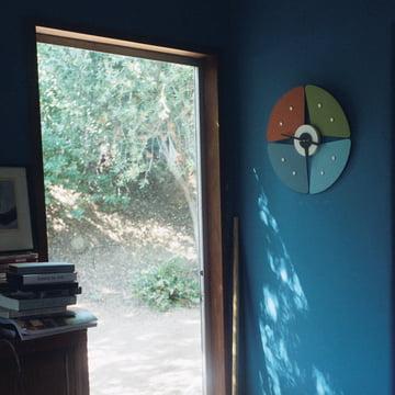 Vitra - Petal Clock, schwarz/ messing