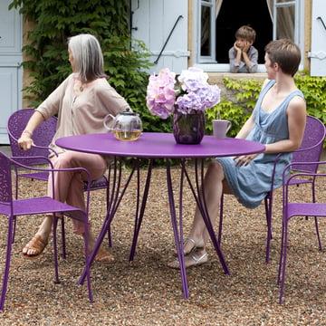 Rendez-Vous Tisch und Sessel von Fermob