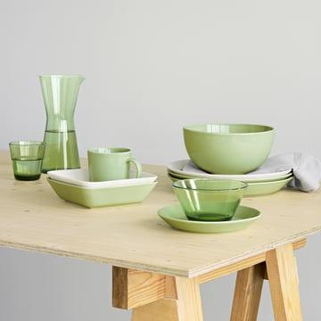 Grün gedeckter Tisch von Iittala