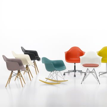 Vitra - Eames Plastic Armchairs, Gruppenbild