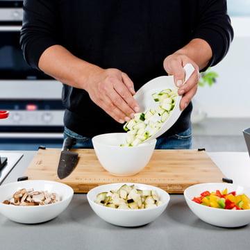 Royal VKB - Chop Organizer, weiss - Gemüse in eine Schale