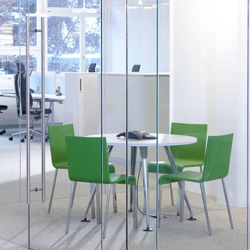 Vitra - .03 Stuhl, Ambientebild / Konferenz, grün