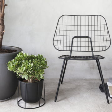 WM String Lounge Chair und Wire Pot von Menu