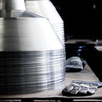 Handgefertigte Lampenschirme aus Almuminium