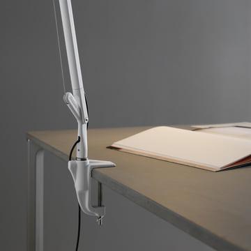 Platzsparende Installation durch Tischklemme