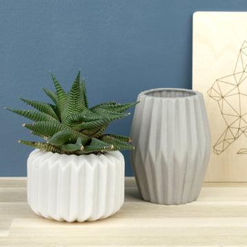 Riffle 1 und 3 Keramikteelichthalter / -vasen von Novoform in reinweiss und grau