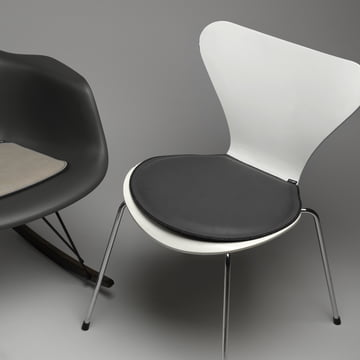 Sitzkissen von LindDNA für Serie 7 Stuhl von Arne Jacobsen