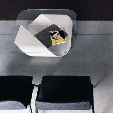 Couchtisch in Weiss mit Glasplatte für den Wohn- & Objektbereich