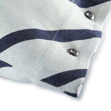 Der Mint Kissenbezug von Marimekko mit den Massen 40 x 60 cm in grauweiss / dunkelblau