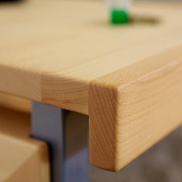 Schreibtisch aus der debe.detail Kollektion