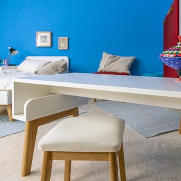 Kindertisch und Hocker von De Breuyn
