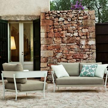 Der Aikana Sessel in Olivgrün von Fast