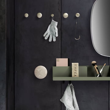 Folded Shelf mit Wandhaken