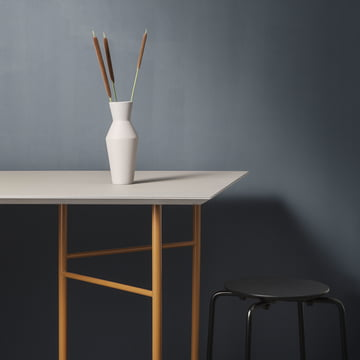Mingle Tischplatte und Untergestell mit Sculpt Vase Corset