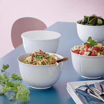 Grand Cru Rührschüssel von Rosendahl mit Salat und anderen Speisen