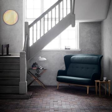 Das Fritz Hansen - Ro Sofa im Treppenhaus