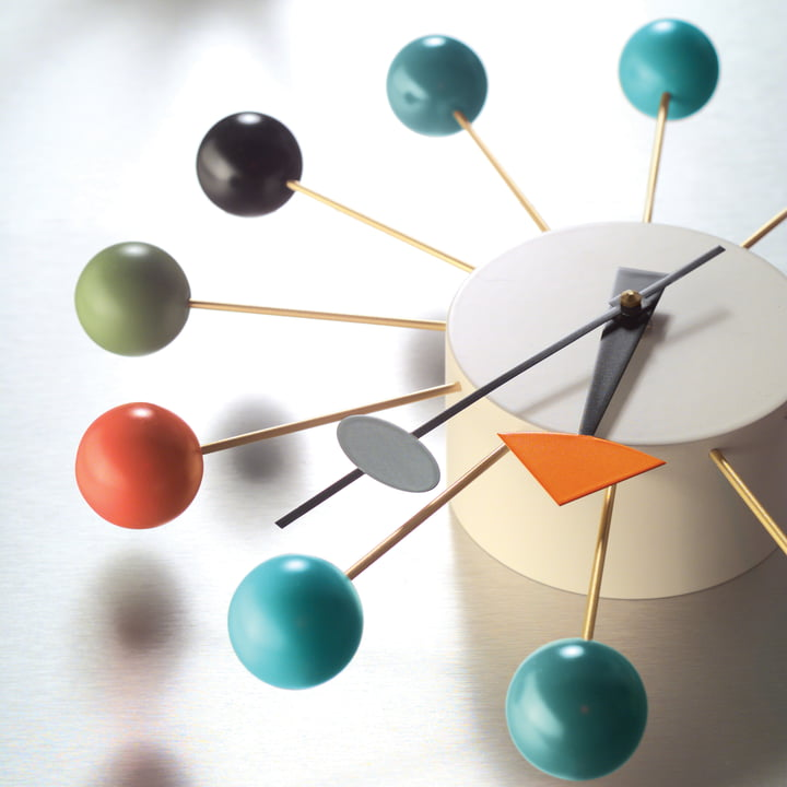 Vitra - Ball Clock - Detail