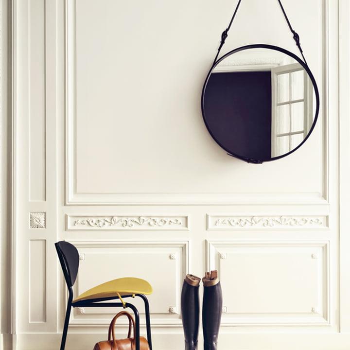 Adnet Spiegel von Gub im Flur über dem Stuhl