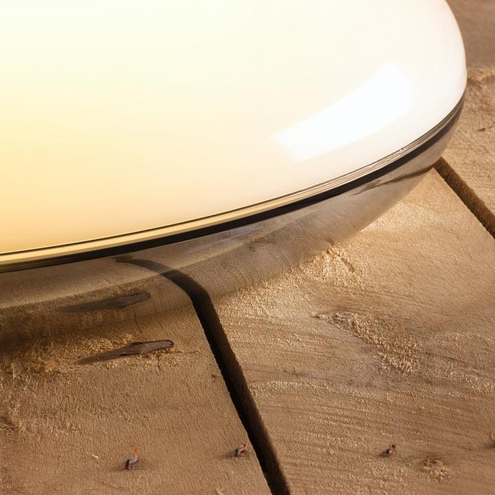 Louis Poulsen - Silverback Decken- und Wandleuchte - Spiegelung