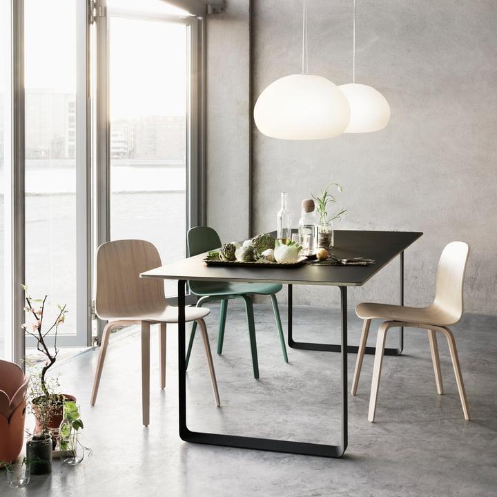 70 / 70-Tisch und Visu Stuhl von Muuto im Esszimmer