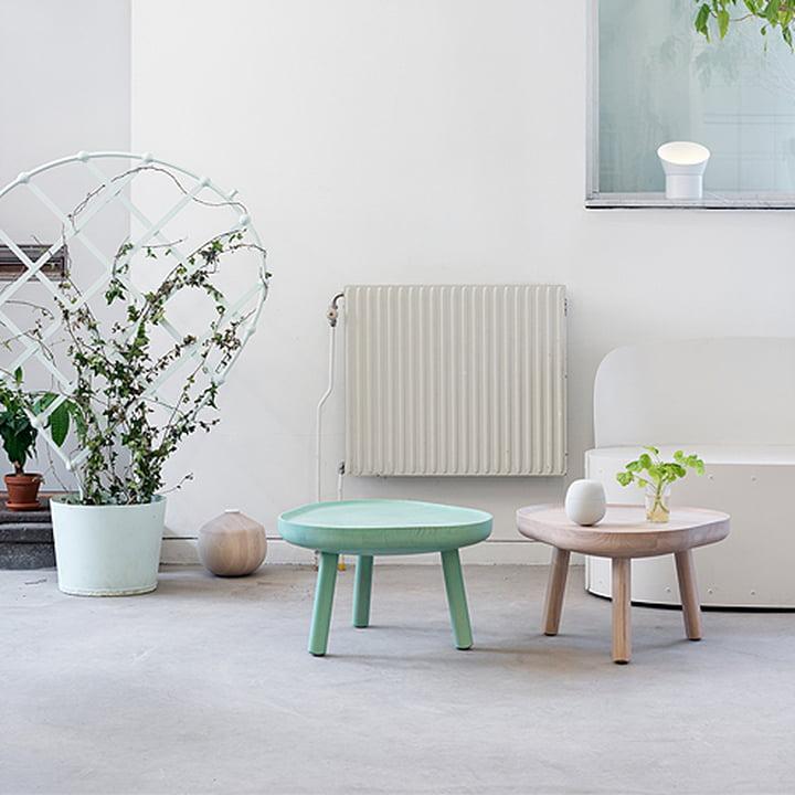 Der Karimoku New Standard - Soft Triangle Couchtisch in grün in natur