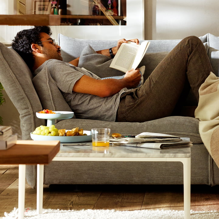 Entspannen mit dem Mariposa Sofa & Rotary Tray