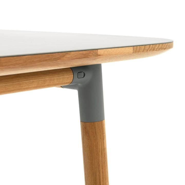 Form Table von Normann Copenhagen aus Eiche in Grau