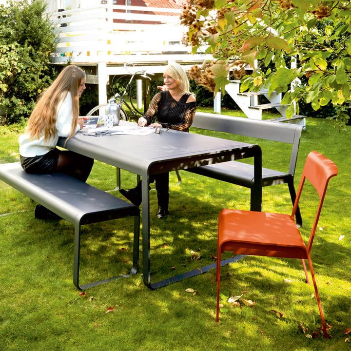 Bellevie Stuhl, Bank, Tisch und Bank mit Rückenlehne für den Aussenbereich