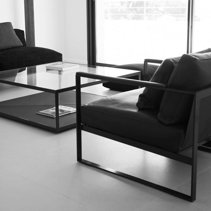 Natürliche Materialien zu einer exklusiven Möbelserie kombiniert