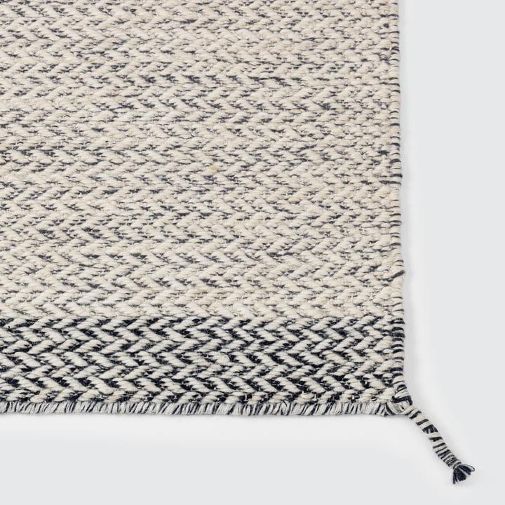 Der Ply Rug Teppich in weiss von Muuto