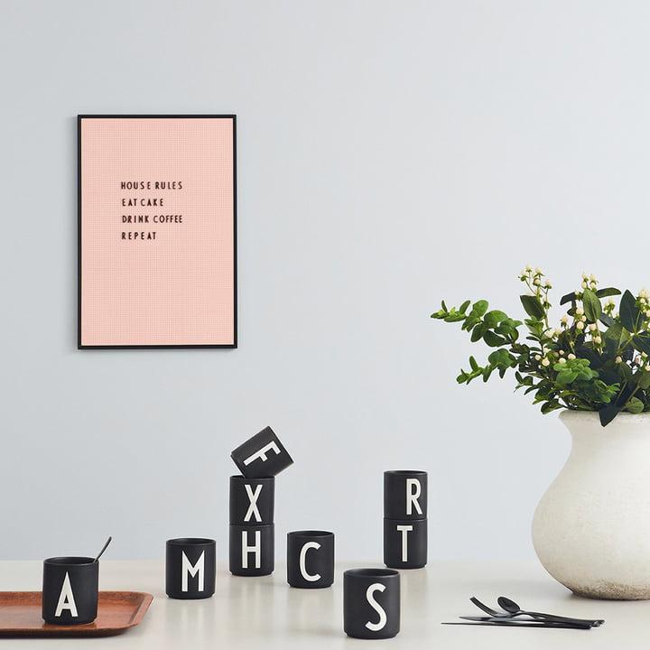 AJ Porzellan Becher von Design Letters in Schwarz